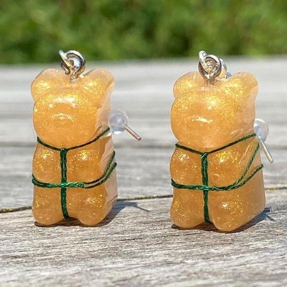 Gummy bear earrings with shibari tie